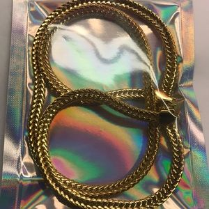 Jewelry - Gold colored chain snake thick costume bling